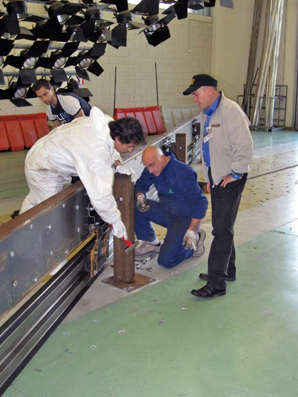 Preparazione del Guard Rail per il Crash Test - LaST Milano 2008