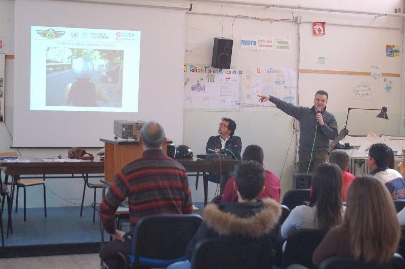 AMI - Giornate della Sicurezza Stradale 18-29 aprile 2007 Cellino San Marco (BR) - Incontro con i Ragazzi della Scuola Media Istituto Comprensivo Statale  'Don Minzoni' di San Pietro Vernotico (BR)