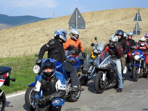 Primo Meeting Motociclistico sulla Sicurezza Stradale Settembre 2005 - Un'altra immagine del gruppo